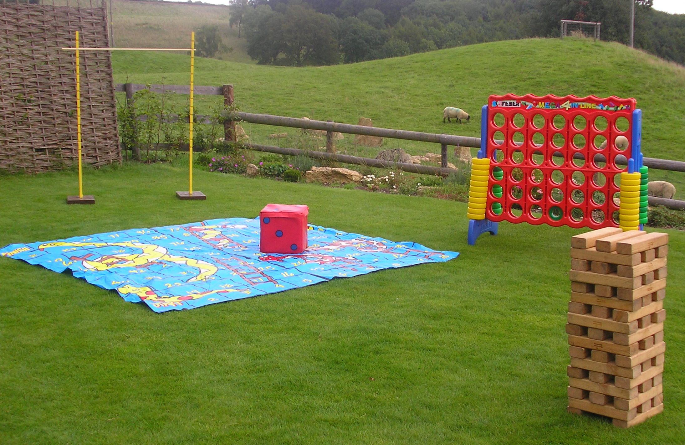 giant garden games hire company fun days bouncy castle. Black Bedroom Furniture Sets. Home Design Ideas